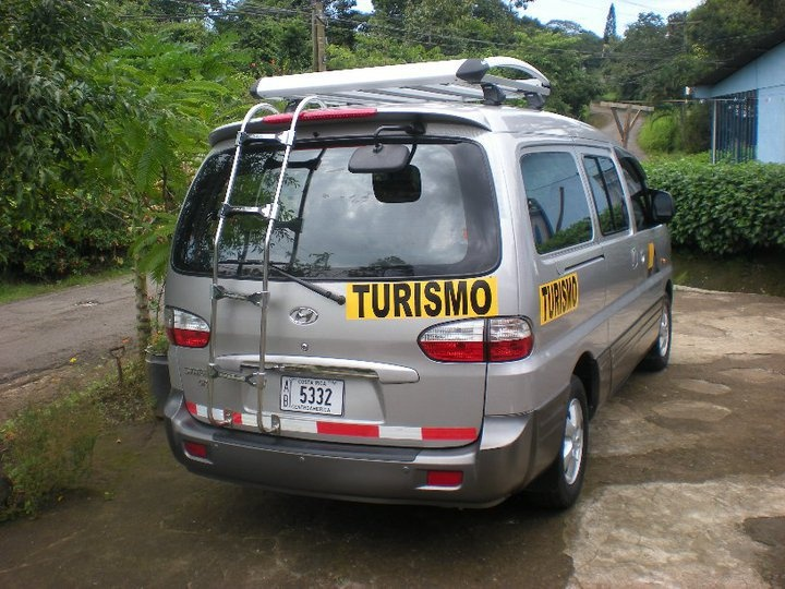 costa rica mini bus for backpackers